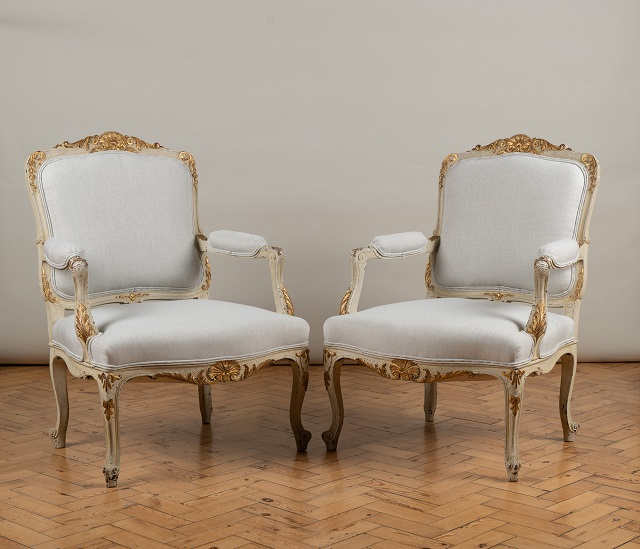 2. Resized iv. Pair French arm chairs. 850 7213